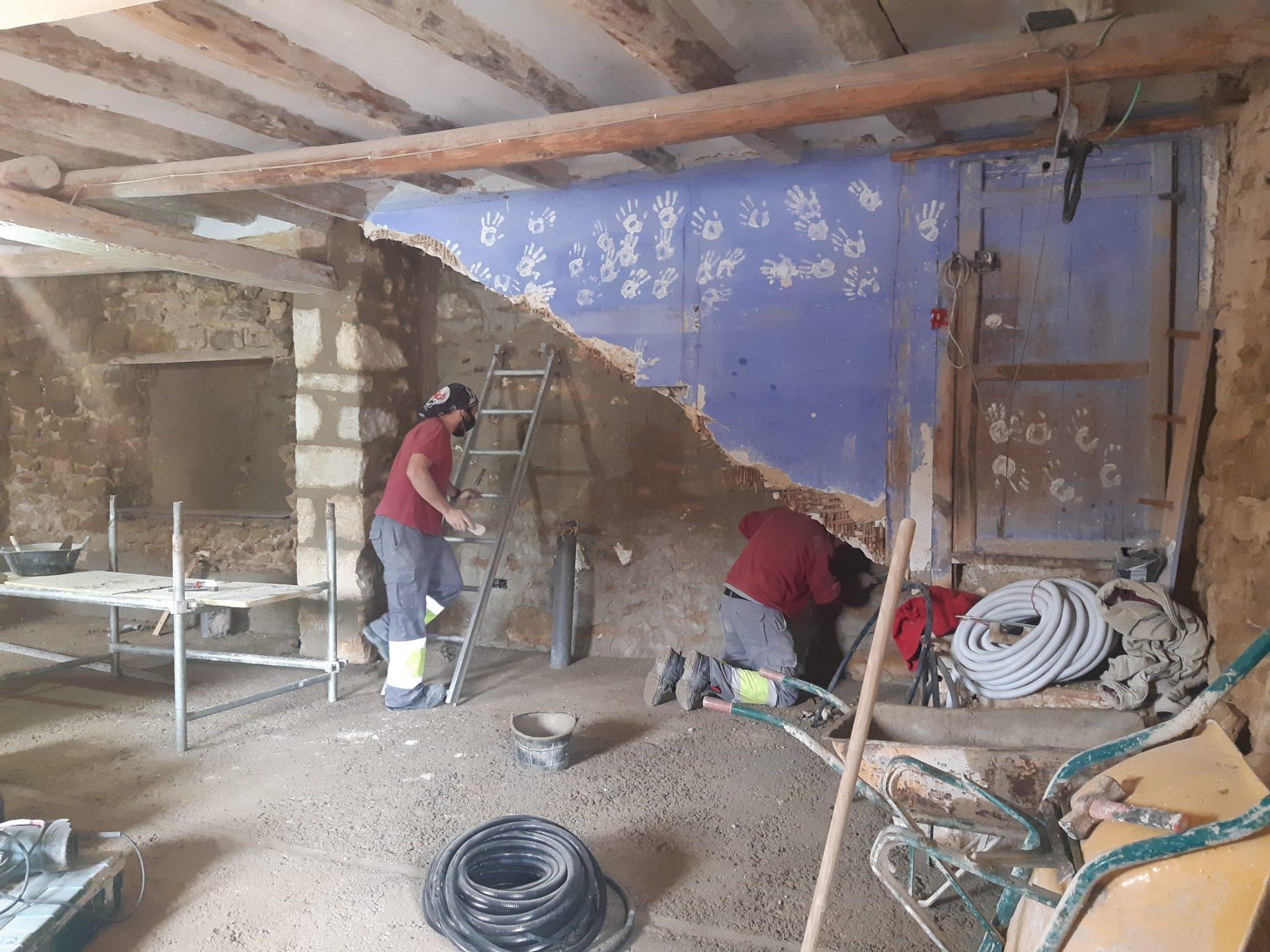 Avanzan las obras de rehabilitación de la antigua escuela de La Pobleta