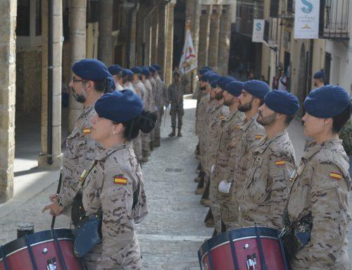 La Guàrdia Reial desfila pels carrers de Morella