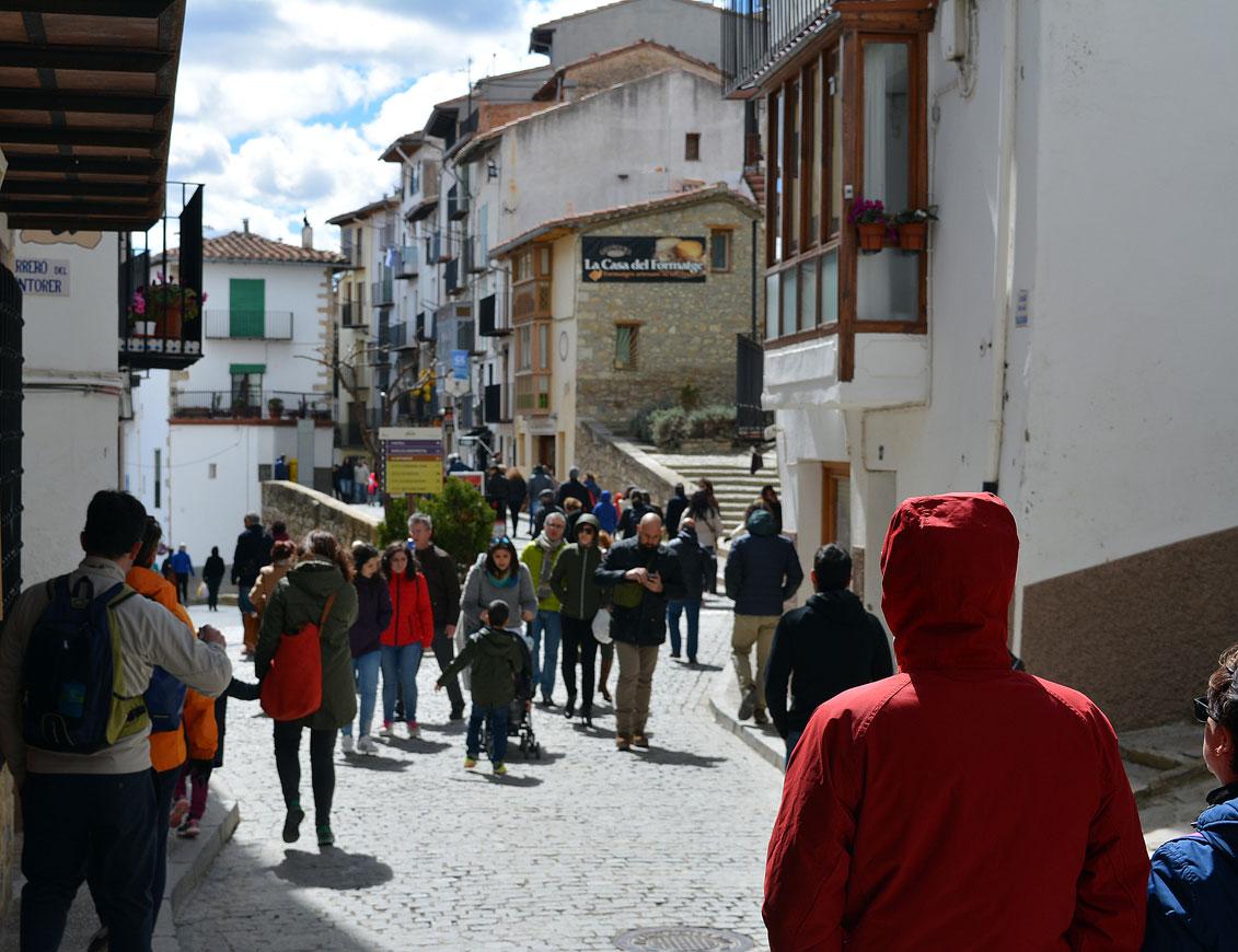 Gent als carrers de Morella