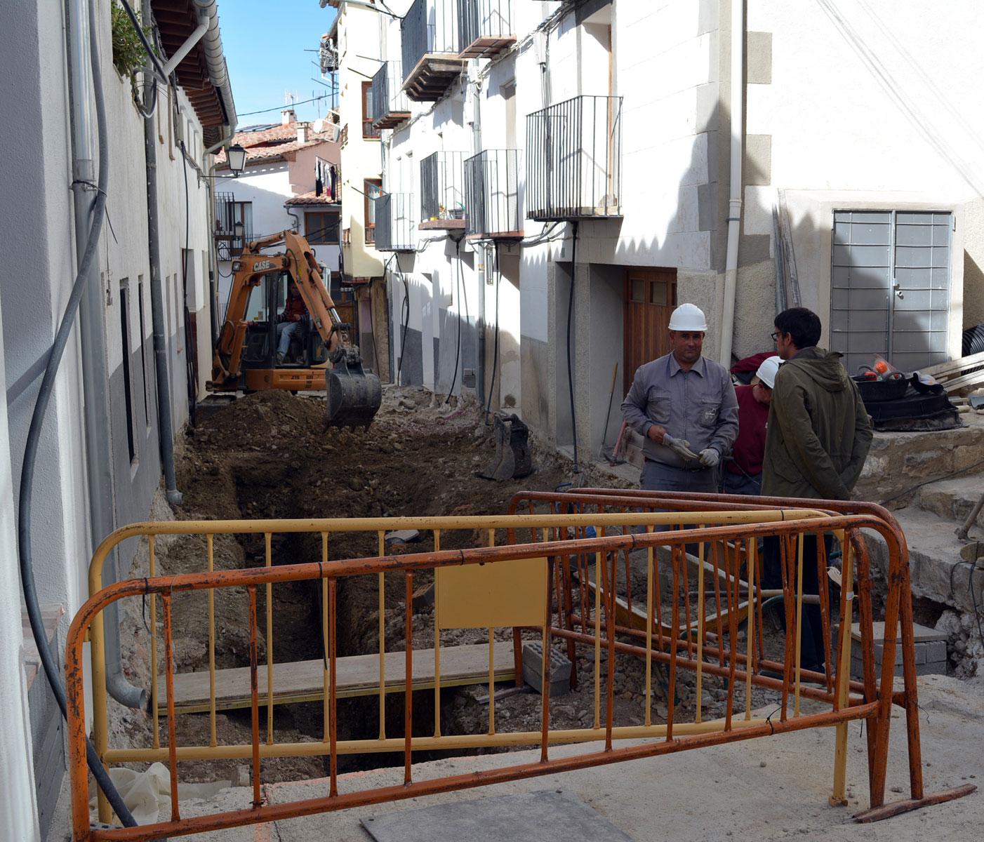 Obres del carrer Alt de Sant Francesc a Morella