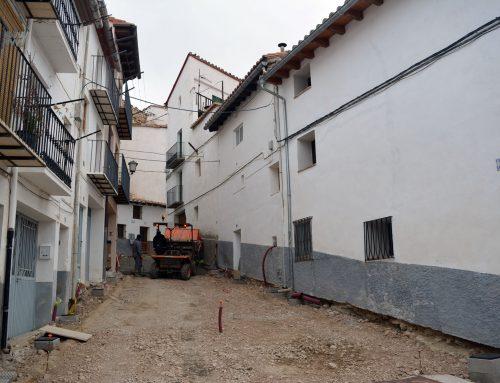 Formigonen l'últim tram del carrer Alt de Sant Francesc de Morella