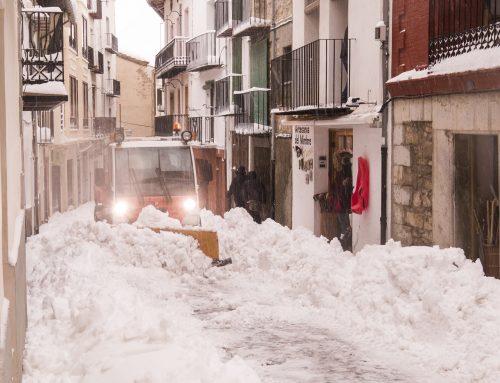 Continuen a Morella els treballs pel temporal de neu